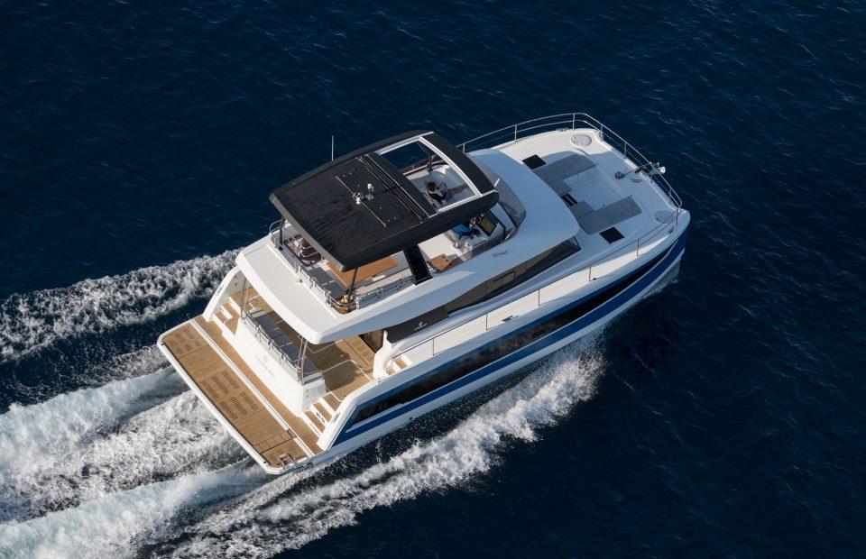 Coloriage Bateau Trimaran.Fountaine Pajot Catamarans De Luxe Et Motor Yachts
